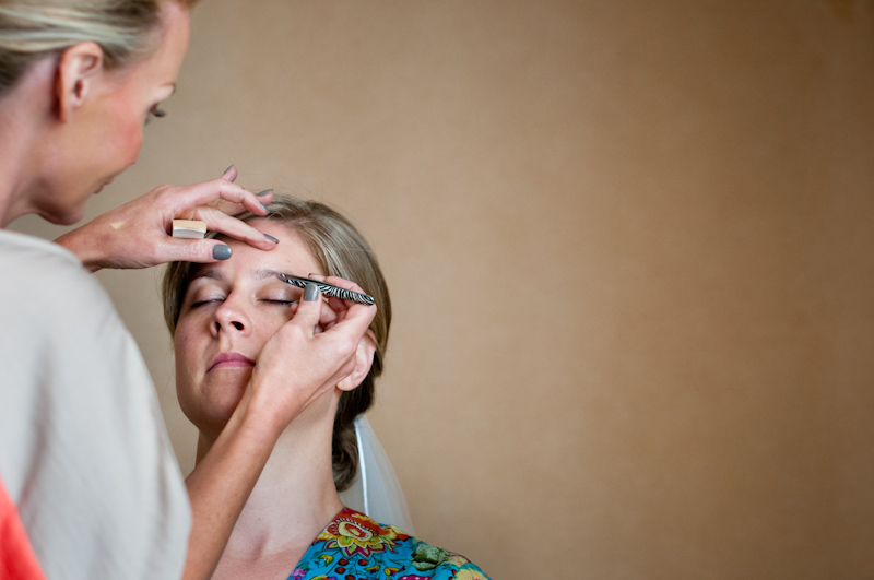 Bride getting ready by Rochelle Rae cosmetics