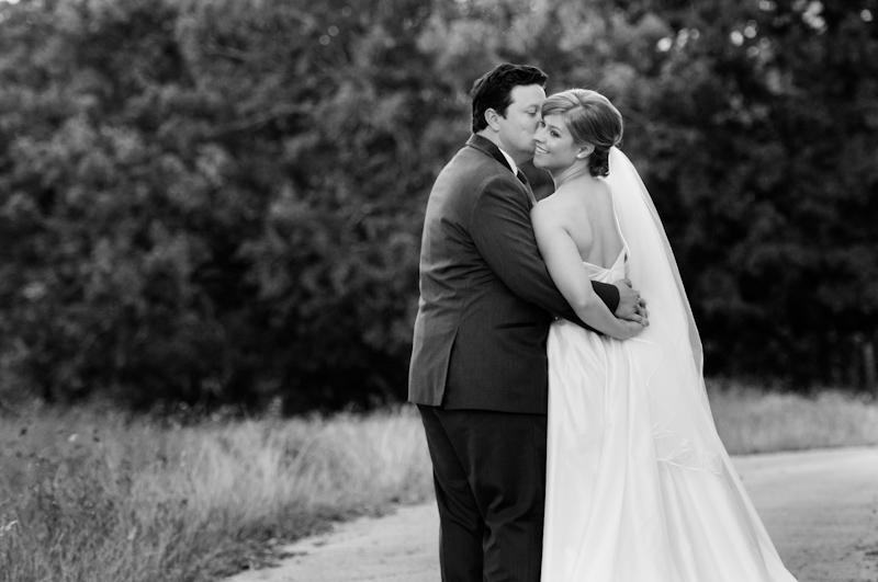 award winning best wedding photographer in Austin