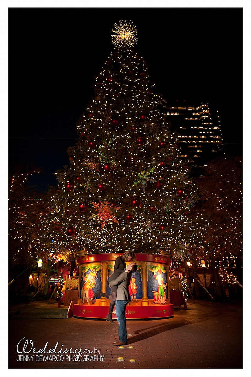 christmas-wedding-photographer-tree.jpg