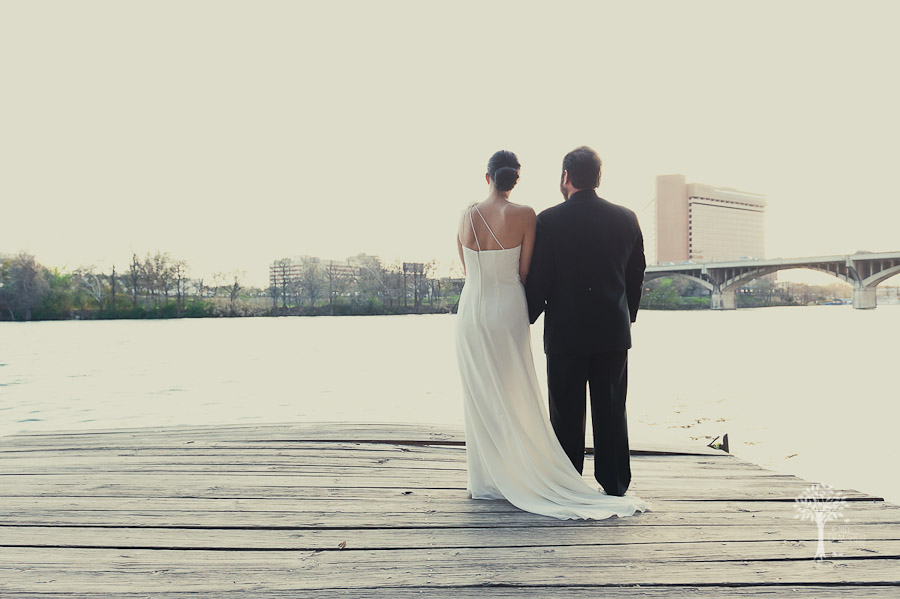 Town lake, water edge, portrait, four seasons hotel, four seasons, downtown wedding, austin wedding photographer, dripping springs wedding photographer, south congress, congress bridge, embassy suites, san antonio wedding photographer