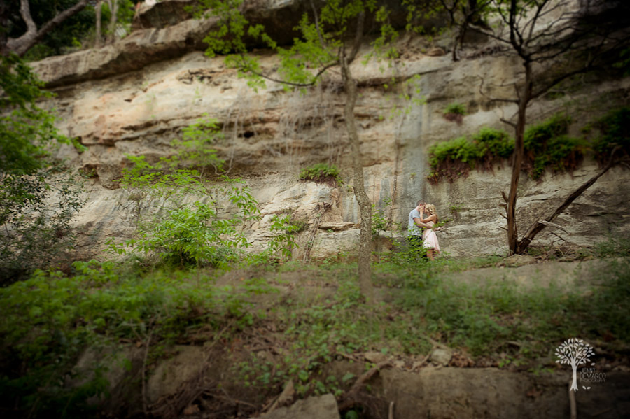 Rock climbing engagment session, kiss, rock, perfume add, passion, tilt shift, nature photography,
