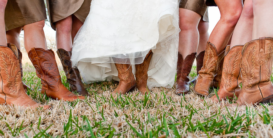 A country chic wedding in new Braunfels - wedding photography by Jenny DeMarco