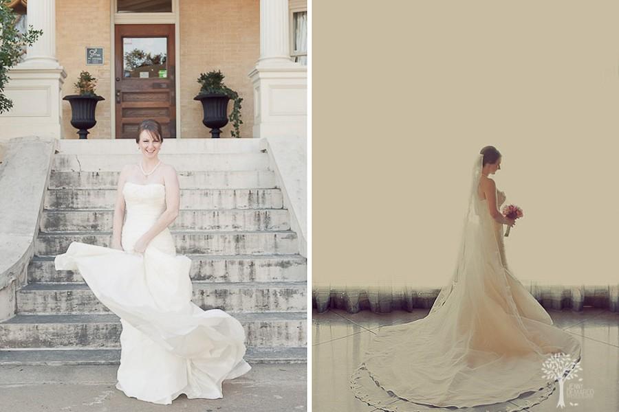 Sara rocks the dress :: Austin Bridal Portraits at Manstion at Judge's HIll