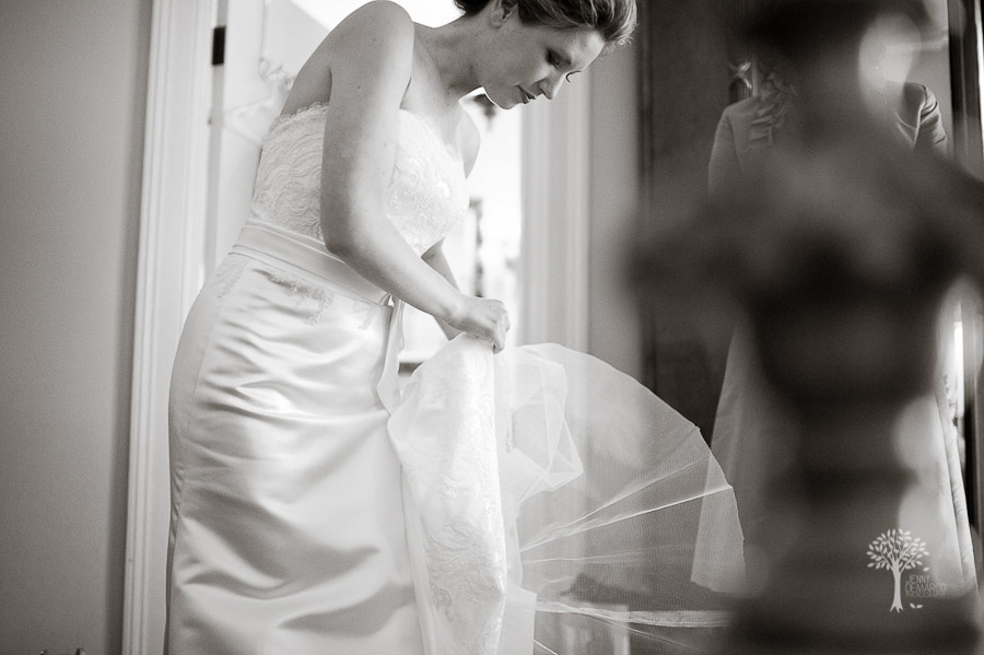Mansion at Judge's Hill, Ausitn Wedding Photographer, Allure Coutre, Bridal gown, wedding dress
