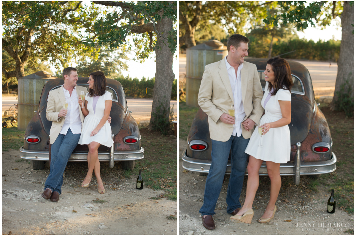 Casual chic wedding at Heritage house in dripping springs