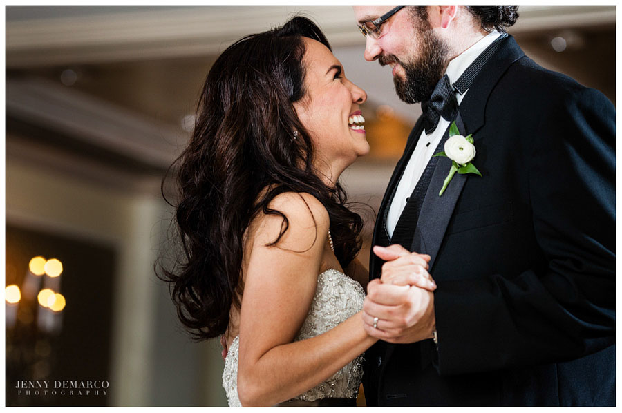 Bride and Groom first dance at the Austin Country Club