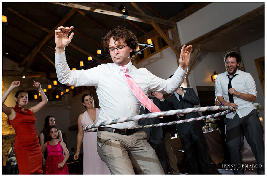 Guests at the reception were dressed in chic clothing and danced with hula hoops for a kid-friendly reception.