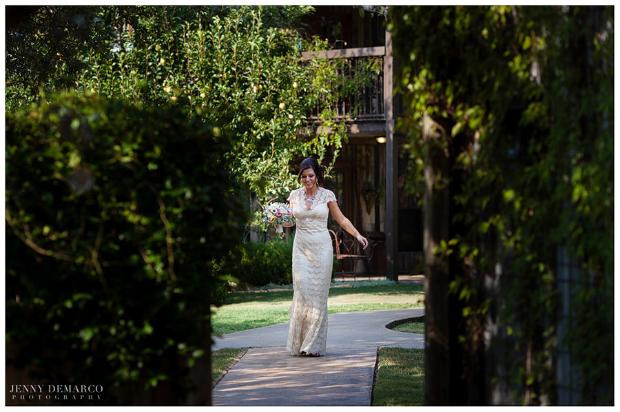 The bride walks up to see the groom in her First Look.