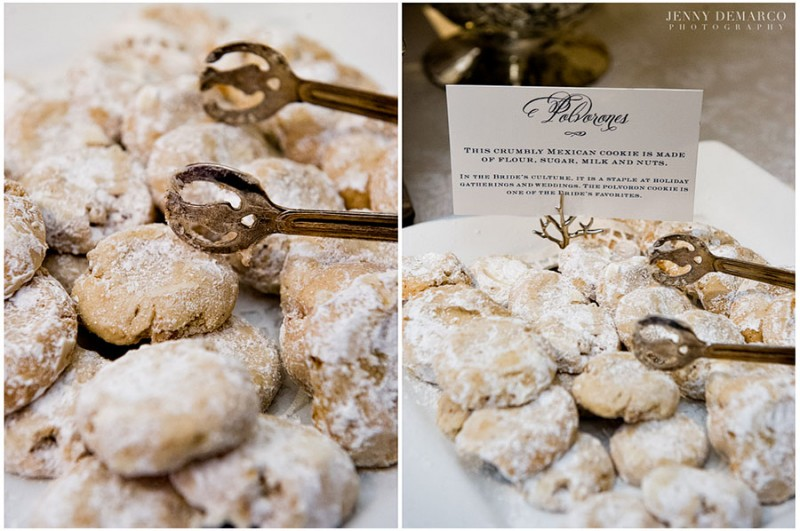 Reception guests were offered traditional Mexican polvorón cookies as a symbol of the bride's culture.