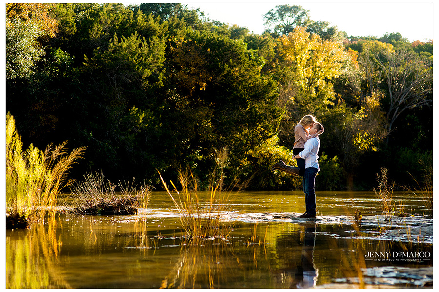 Beautiful scenic engagement session on the greenbelt in Austin.