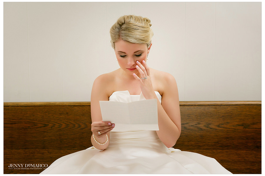 Bride tears up reading a letter from her groom