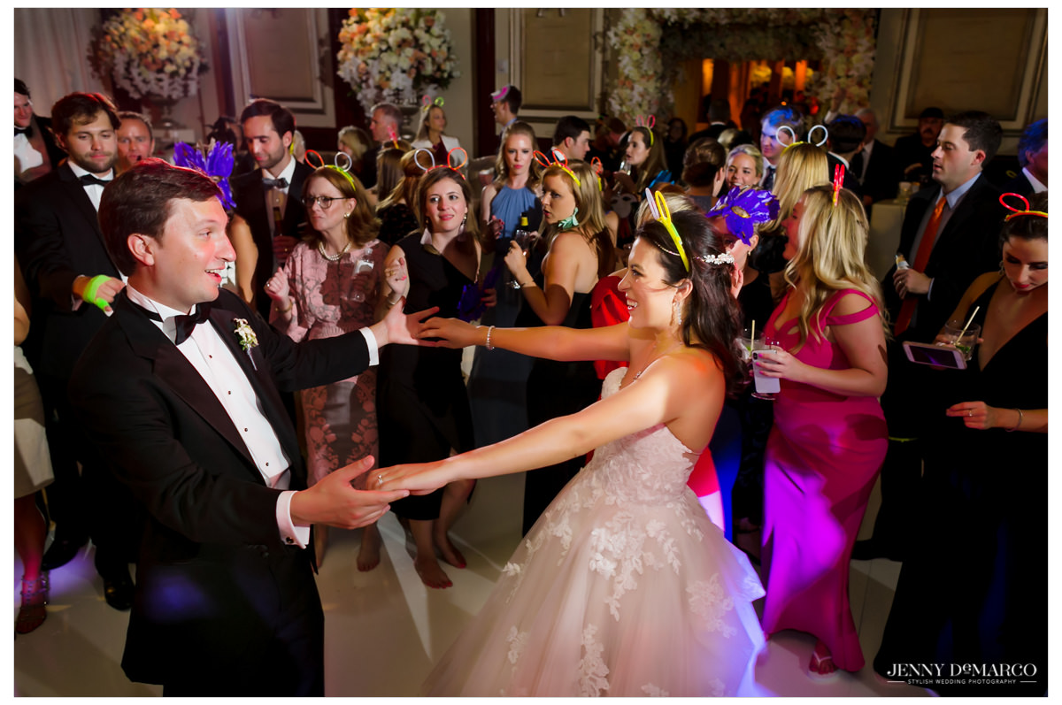 Bride and groom dance on the dance floor.