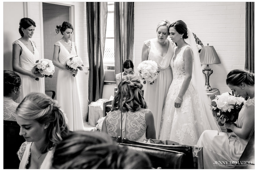Bridal party praying before the wedding